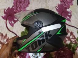 Capacete R8 Pro tork
