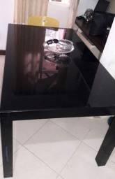 Mesa preta grande