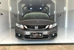 Honda Civic LXR 2.0 R$ 5.700,00 de Entrada.