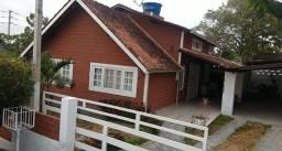 Casa com 04 Quartos em Condomínio Fechado em Gravatá