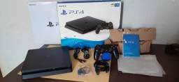 Playstation 4 slim 1Tb semi novo+ 4 jogos