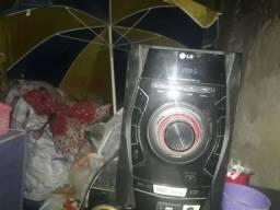 Vendo um radio da marca LG e um home teather