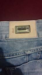 Duas calças jeans pouco usadas