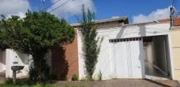 Casa para Venda em Uberlândia, 3 dormitórios, 1 suíte