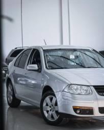 VW - Bora 2.0 Flex 2010 Completo Prata