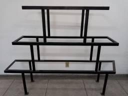 Vendo expositor usado ferro ideal para vitrines R$ 390,00