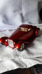 Miniatura hotrod em ferro