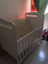 Vendo Berço com colchão R$ 250,00