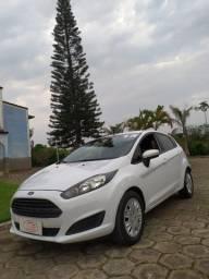 New Fiesta em perfeito estado 2015 Completo.