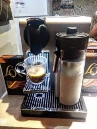 Cafeteira Nespresso Touch Pro, modelo top de linha
