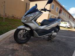 Vendo uma scooter Honda pcx