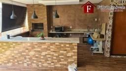 Linda Casa com 03 Quartos localizado em Arniqueiras