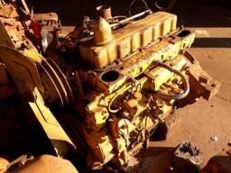 Motor Caterpillar 3304 com bomba injetora dosadora