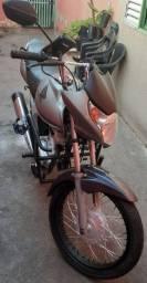 Moto titan mix , ano 2010 de fino trato .