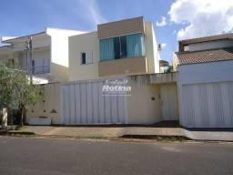Apartamento para aluguel, 3 quartos, 1 suíte, 2 vagas, Alto Umuarama - Uberlândia/MG