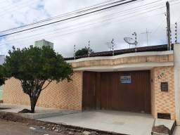 Alugo casa mobiliada próximo a AABB