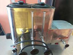 Cafeteira industrial,  funcionando perfeitamente.