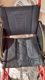 caderia de roda e cadeira de banho