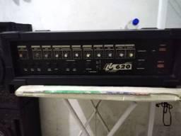 Um Cabeçote amplificador com 2 caixas
