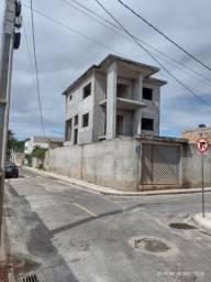 Casa triplex na Malícia Abrantes