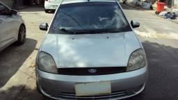 Ford Fiesta 1.0 com Ar / gnv 2004 . Muito novo !!!!