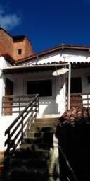 Alugo casa na Gruta de Lourdes com 1 vaga de garagem