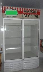 Freezer vertical com portas de vidro anti embaçantes