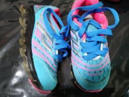 Sapatos infantil usado