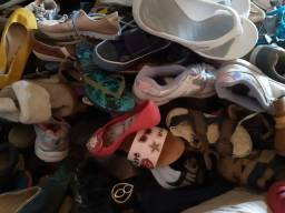 Lote de calçados mistos infantil adultos