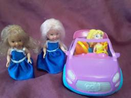 Carrinho da poly, com poly e duas pequenas bonecas articuláveis por R$ 30,00