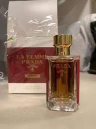 Perfume Prada. Intense