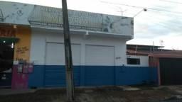 Aluga-se ponto comercial, no Bairro São Vicente