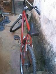 Bicicleta 18 marchas toda boa