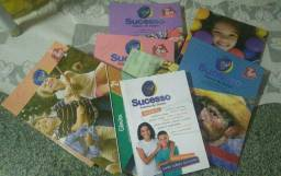 Moro no Maracanau estou vendendo esses livros da 2°serie livros novos