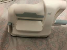 Máquina de corta papel e eva.