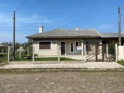 Casa Balneário Figueirinha em Arroio do Sal/RS - CÓD 125