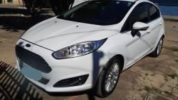 New Fiesta titanium hatch 2014/2015 - Aceita troca