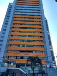 C/ Proprietário. Edifício Maison Monet na beira mar de em Olinda