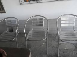 Vendo 3 cadeiras de alumínio
