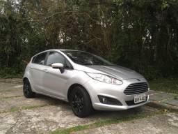 Ford Fiesta prata em ótimo estado