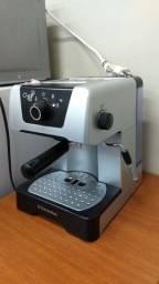 Cafeteira Eletrolux Chef Crema Silver - EM 400