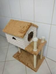 Casinhas e arranhador de gato