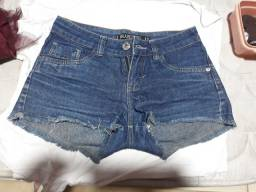 Shorts semi novos