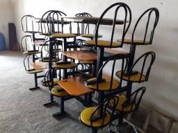 Mesas com cadeiras para lanchonete