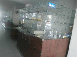 Caixa de vidro com repartições