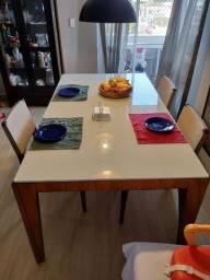 Mesa em madeira, laca e tampo de vidro, 1,80m x 1,00m.