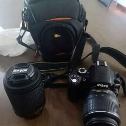 Câmera Nikon d60 com lentes 18-55mm f/3.5-5. VR e 55-200mm f/4-5. VR