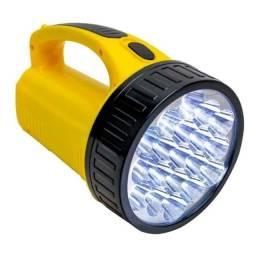 Título do anúncio: Lanterna De Mão Holofote Com 19 leds Branco Frio Recarregável Bivolt DP-1706
