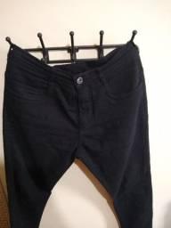 Calça jeans preta slim 44