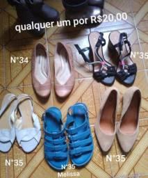 Sapatos e roupas